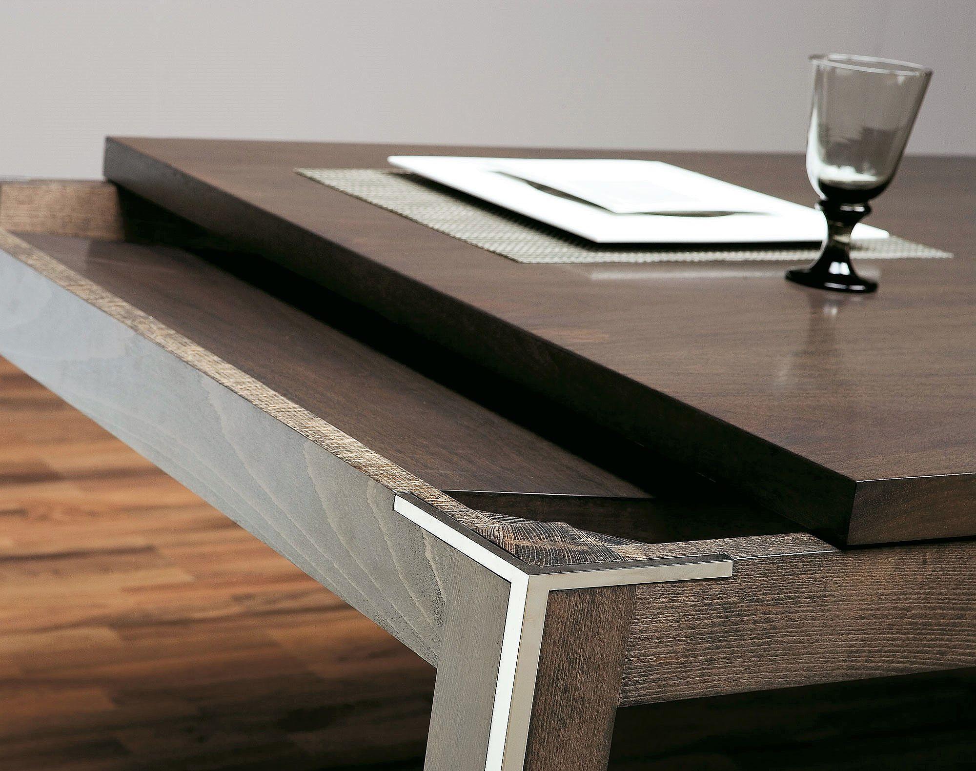 Mesa de comedor extensible con acero y nogal