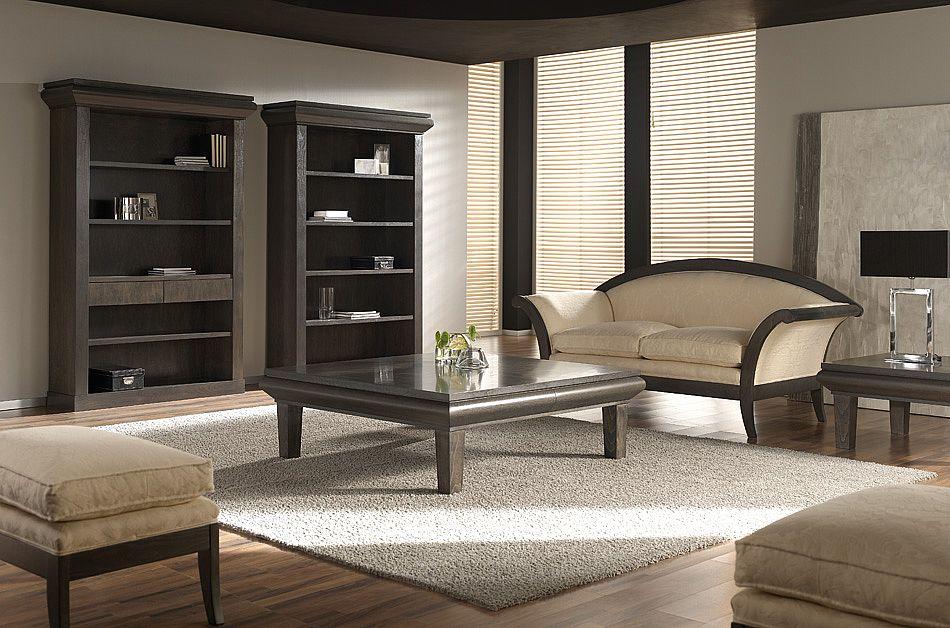 Sofá clásico con madera vista