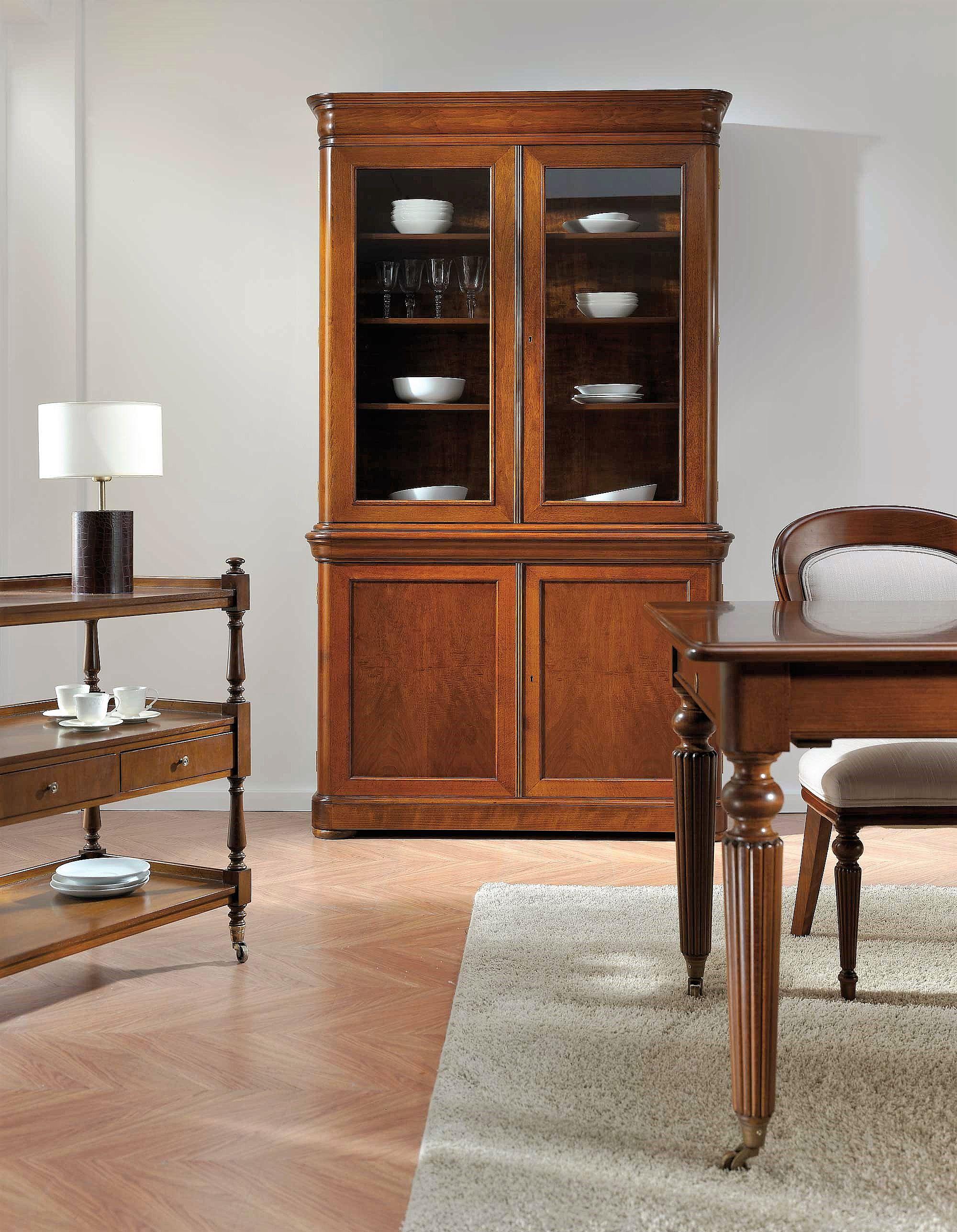 aparador vitrina en nogal, alta decoración